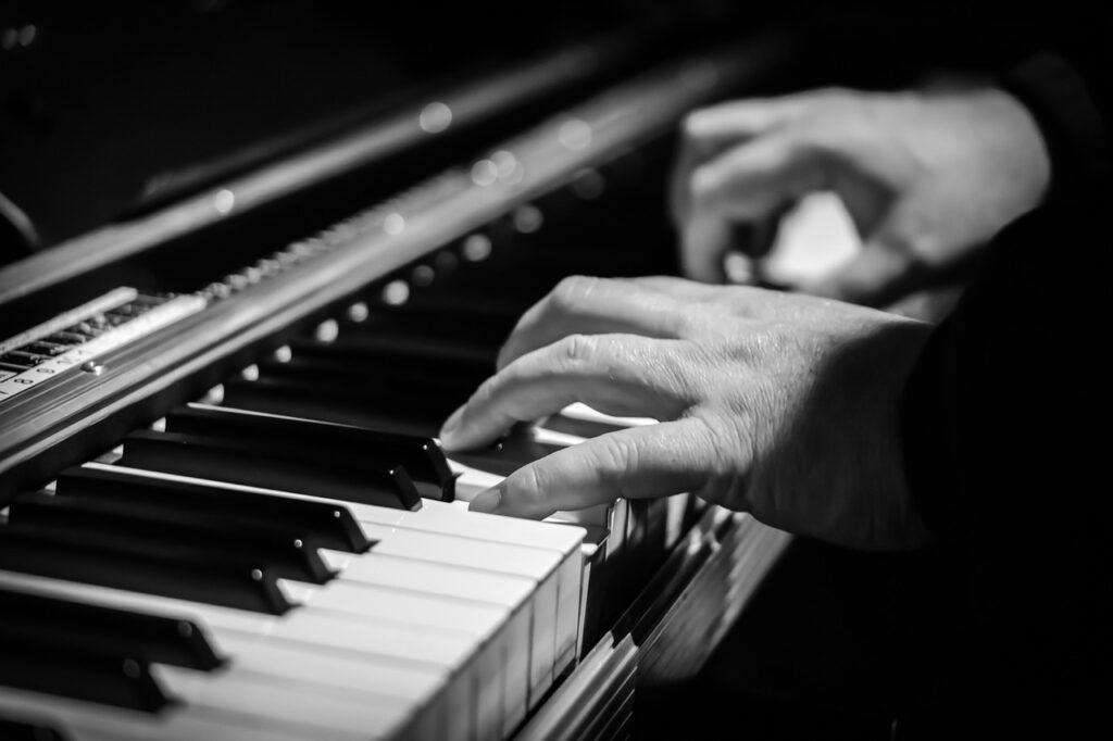 piano, hands, pianist